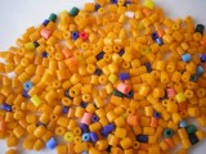 Korálky rokajl mix čípky cca 3-4mm různé barvy 50gr.