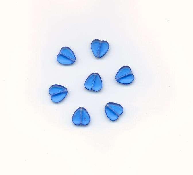 Korálky mačkané tvar srdce velikost 11x11mm barva safír 3003 18ks. - Prodej české skleněné mačkané korálky základní sklářská surovina firma Preciosa - Ornela vhodné pro korálkování Firma Petr Machačka - výroba skleněné korálky