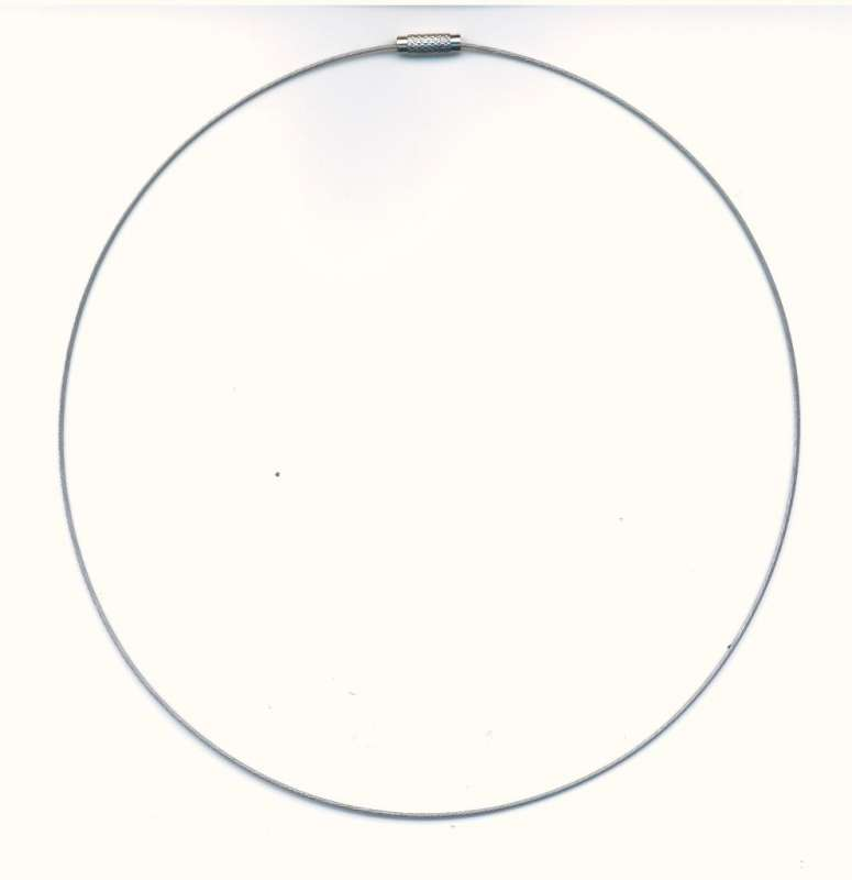 Kruh na krk se šroubovacím zapínáním barva platina průměr 145cm 1ks.