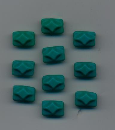 Korálky dárek tvar obdélník zelený sytý 10ks Firma Petr Machačka - výroba skleněné korálky