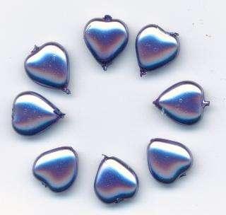 Korálky mačkané 11x11mm tvar srdce vosk fialový 8ks Firma Petr Machačka - výroba skleněné korálky