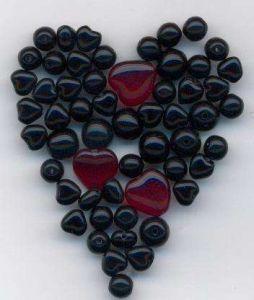 Korálky  mix tvarů povrch lesklý  tón černá rubín  100gr.