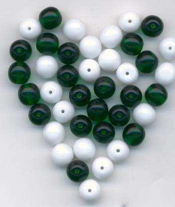 Korálky mačkané Mix barev velikost 8mm alabastr+ emerald I.j. 50gr. - Prodej české skleněné mačkané korálky základní sklářská surovina firma Preciosa - Ornela vhodné pro korálkování . Firma Petr Machačka - výroba skleněné korálky