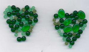Korálky korále mačkané mix tón zelená 100gr.