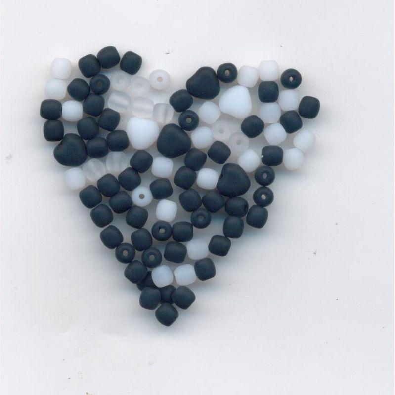 Korálky mix 4mm kulaté + srdce 1 KG mat I.j. Firma Petr Machačka - výroba skleněné korálky