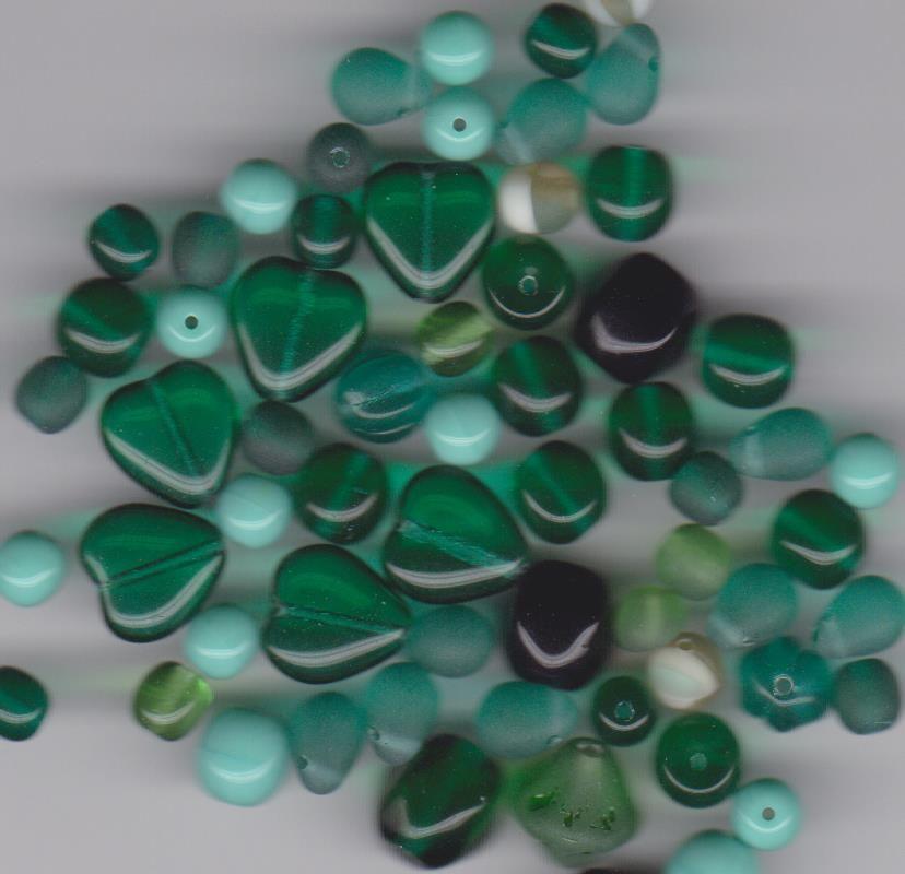 Korálky mix tvarů lesk 6 - 10mm dle obrázku 100gr. Firma Petr Machačka - výroba skleněné korálky