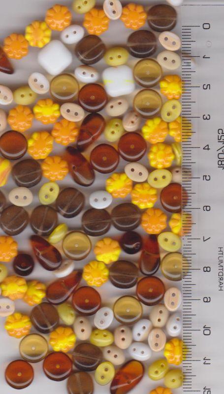 Korálky mix žlutá, topaz, hnědá tvary cca 150ks 100gr. Firma Petr Machačka - výroba skleněné korálky