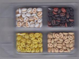 Korálky mugle dvoudírové 6x8mm žíhané červená+černá/izabela/žíhané izabela+bílá/žlutá mat 80gr. Firma Petr Machačka - výroba skleněné korálky